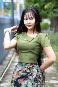 Beautiful Girl Photo, Beautiful Asian Women, Korean Beauty Girls, Asian Beauty, Myanmar Dress Design, Burmese Girls, Myanmar Women, Asian Model Girl, Cute Asian Girls