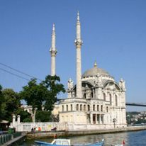 Ortakoy Mosque in Istanbul - click to enlarge