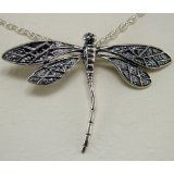 dragonflies -- [REPINNED by All Creatures Gift Shop] Pretty necklace!