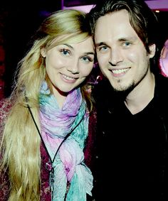 Clare Bowen and Jonathan Jackson Nashville Series, Nashville Tv Show, Clare Bowen, Jonathan Jackson, Crazy Ex Girlfriends, Country Music Singers, Great Tv Shows, Celebs, Celebrities