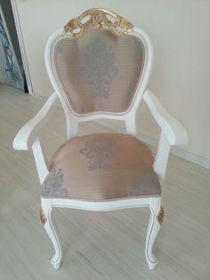 Kolcakli sandalye