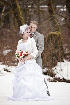 Winter Wedding in Washington  Photo by: amanda-lloyd.com