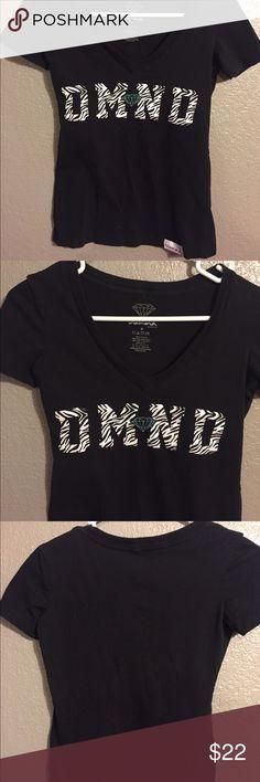 Diamond V neck T-shirt Excellent condition diamond tshirt. Size small but it runs smaller. Diamond Supply Co. Tops Tees - Short Sleeve