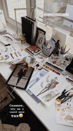 Fashion Model Sketch, Fashion Design Sketchbook, Fashion Design Portfolio, Fashion Design Drawings, Illustration Mode, Fashion Illustration Sketches, Artist Aesthetic, Applis Photo, Student Fashion