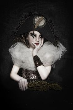 #cirque #circus #vintage #kids #enfants #clown #maquillage #coiffure #mode #pierro #fashion #mode