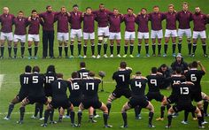 """The 2013 England team line up to face the Haka while the """"crowd"""" sings """"swing low"""" - All Blacks win 30 to 22 haha ♥ it. Swing Low Sweet Chariot, Chris Robshaw, New Zealand Rugby, All Blacks, Black Down, Lineup, Squad, Crowd, England"""