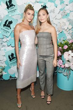 Maddie Ziegler Photos - Hailey Baldwin (L) and Maddie Ziegler attend the Tiffany & Co. Paper Flowers event and Believe In Dreams campaign launch on May 2018 in New York City. - Tiffany & Co. Paper Flowers Event And Believe In Dreams Campaign Launch Maddie Ziegler, Mackenzie Ziegler, Noora Style, Tiffany, Hailey Baldwin Style, Maddie And Mackenzie, Believe, Dance Moms Girls, Get Glam