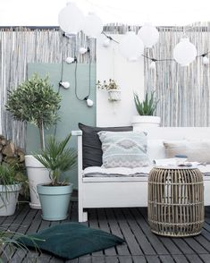 beautiful beach patio with white sofa, dark decking, and bleached grey bamboo privacy screen Sectional Patio Furniture, Balcony Furniture, Outdoor Furniture Sets, Backyard Furniture, Patio Privacy Screen, Outdoor Living, Outdoor Spaces, Beach Patio, Pool Backyard