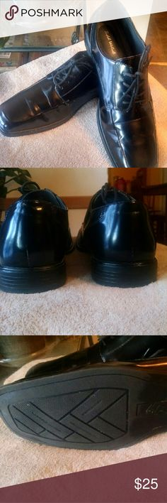 Men's Dress Shoes Very nice shoes, smooth hi shine leather, worn once, has cushiony insoles they are very comfortable great buy Shoes Oxfords & Derbys