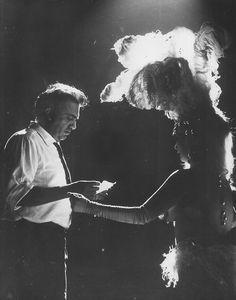 """Federico Fellini on the set of """"Otto e Mezzo"""" - #FelliniOniricon - @Libriamo Tutti -"""