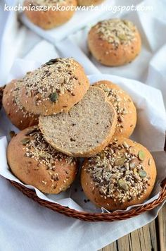 Kuchnia szeroko otwarta: Bułki pełnoziarniste Bagel, Bread Recipes, Hamburger, Muffin, Breakfast, Buns, Food, Brown Bread, Recipies