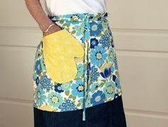 Cafe Apron with an adorable pocket.