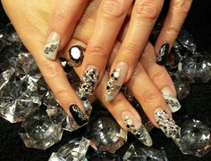 Love my trade show nails.  Black an white always classy. Nothing like being a Nail Tech and sharing ideas with another nail Tech to create your design.   Thank you Kelley Somani!  We are awesome!