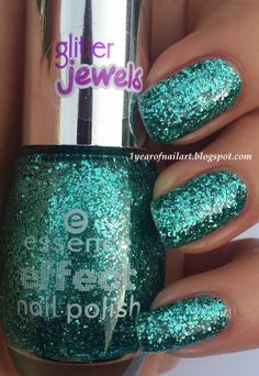 Swatch Essence effect nail polish 06 Party in a bottle