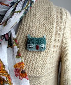Brooch Pin Knit and Embroidery Green Mist Cottage.