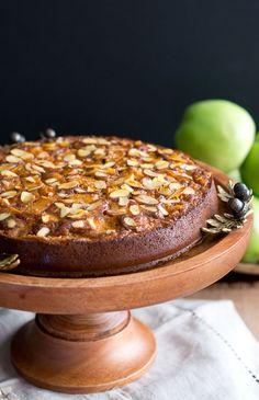 Apple Almond Cake (Paleo Gluten-Free)