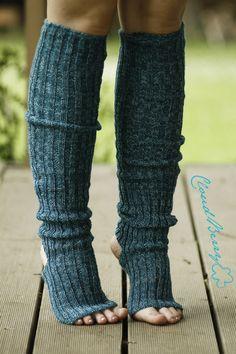 Sehr lange, gestrickte Socken Yoga oder Tanzen. 50% Wolle.    Bitte schreiben Sie Ihre Socken Größe bei der Bestellung.