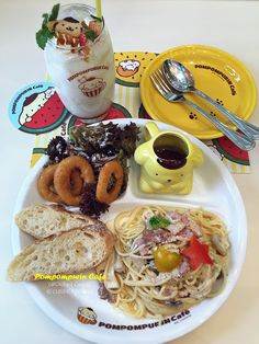Pompompurin Cafe (布丁狗餐厅) is the first Sanrio character cafe in Singapore