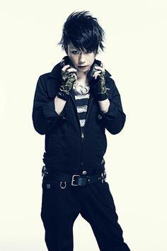 Ryo Asian Men, Asian Guys, Visual Kei, Music Bands, Rock Bands, Punk, Rocks, People, Art