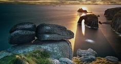 Bing Image Archive: Land's End in Cornwall, England (© Ray Bradshaw/Getty Images)(Bing United States)