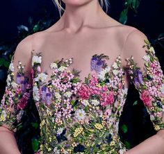 Close up: Your fairytale starts here in Al Fahim's Haute Couture Source by le_mava couture embroidery Elie Saab Couture, Dior Haute Couture, Haute Couture Dresses, Couture Embroidery, Ribbon Embroidery, Embroidery Designs, Fairytale Fashion, Christian Dior Couture, Feminine Dress