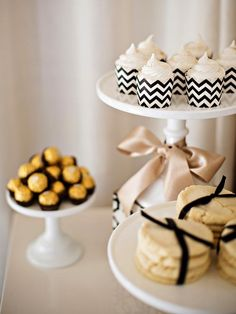 Glam up party treats with chevron cupcake holders and edible glitter. >> http://www.diynetwork.com/decorating/holiday-decorating-one-room-done-three-ways/pictures/index.html?soc=pinterest