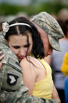 """The U.S. Army has a full set of boards on Pinterest, including this one of """"welcome home"""" photos, boards on basics from basic training to combat photos, and even valentines for soldiers."""