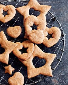 Swedish Pepper Cookies - Pepparkaker - #ChristmasCookies #Sweden #sweetpaul