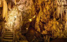 Είναι ένα από τα ομορφότερα και από τα πιο σημαντικά σπήλαια του κόσμου. Και αυτό γιατί το σπήλαιο της Αντιπάρου, εκτός από μαγευτικό φυσικό αξιοθέατο, συνδέεται άρρηκτα με την ιστορία του τόπου ενώ προκαλεί μεγάλο αρχαιολογικό ενδιαφέρον, λόγω των ευρημάτων της λίθινης εποχής που ανακαλύφθηκαν στο εσωτερικό του. Το «Καταφύγι», όπως το αποκαλούσαν οι ντόπιοι, […] The post Το σπήλαιο στην Αντίπαρο όπου κρύφτηκαν οι Μακεδόνες συνωμότες κατά του Μ. Αλεξάνδρου appeared first on NewSide.gr. Paros Greece, Places In Greece, Greece Islands, Cool Bars, Greece Travel, Cool Places To Visit, Trip Planning, The Good Place, Beautiful Places