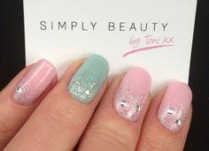 Glitzy & cute Bio Sculpture gel nails by www.simplybeautybytoni.co.uk