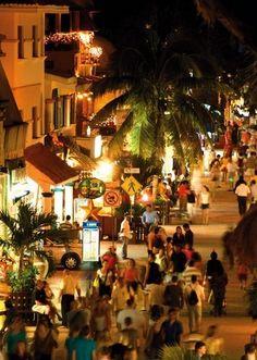 Fifth Avenue Shopping - Playa del Carmen