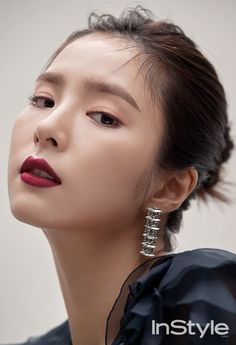 Shin Se Kyung on the Cover of InStyle Korea December 2017 Instyle Magazine, Korean Actresses, Korean Actors, Korean Beauty, Asian Beauty, Shin Se Kyung, Kim So Eun, Asian Eye Makeup, Pose