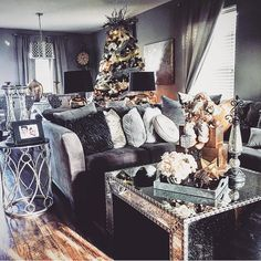 Silver living room decor fresh black and . Cozy Living Rooms, My Living Room, Apartment Living, Home And Living, Living Room Decor, Living Area, Interior Exterior, Home Interior, Interior Design
