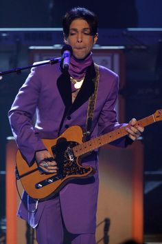 Prince LookBook June 27, 2006  Where: Performing at the BET Awards in Los Angeles, California.  Photo:     Frazer Harrison/Getty Images