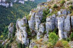 Automne et sculptures calcaires (Mayrueis)