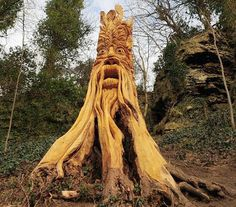 Tree sculptures by UK-based chainsaw artist, Tommy Craggs (totally sweet idea if you gotta get rid of a tree but can leave the stump)