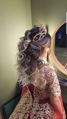 Lange Haarmodelle - Kına ve Nişan Saç modelleri www. festa Lange Haarmodelle - Kına ve Nişan Saç modelleri www. Romantic Hairstyles, Cute Hairstyles, Straight Hairstyles, Updo Hairstyle, Party Hairstyles, Engagement Hairstyles, Wedding Hairstyles, Wedding Updo, Curly Hair Styles Easy