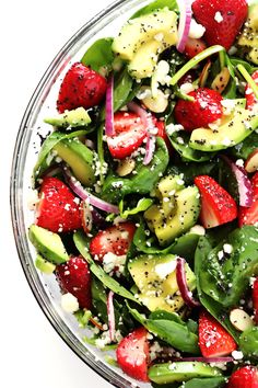Avocado Strawberry Spinach Salad with Poppyseed Vinaigrette Recipe Delicious avocados and strawberries combine in this easy fresh spinach salad with a yummy poppyseed vinaigrette from Gimme Some Oven. Healthy Salad Recipes, Healthy Snacks, Vegetarian Recipes, Healthy Eating, Cooking Recipes, Detox Recipes, Healthy Strawberry Recipes, Side Salad Recipes, Fruit Recipes