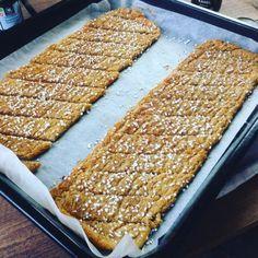 Kanelbullesnittar Best Dessert Recipes, No Bake Desserts, Wine Recipes, Baking Recipes, Cookie Recipes, Delicious Desserts, Yummy Food, Swedish Recipes, Bagan