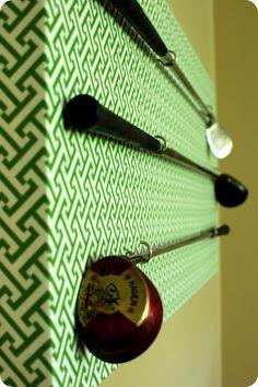 33 Shades of Green: Golf Club Wall Decor
