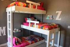 Triple Bunk Beds (with plans!)