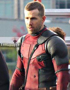 Ryan Reynolds - Deadpool jasbfickbaidbscjkabdc