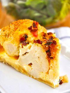 Il sapore di un bel cavolfiore di stagione si abbina meravigliosamente al formaggio e allo speck creando un tripudio di aromi che fa contenti tutti! #tortasalatacavolfiore #tortasalataspeck