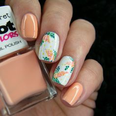 Dotted Flower Nail Art