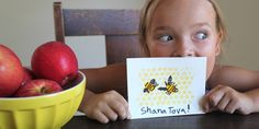 """Rosh Hashanah Craft: Honey Bee New Year Cards by Kids 