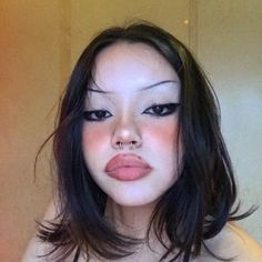 Emo Makeup, Grunge Makeup, Gothic Makeup, Eyebrow Makeup, Girls Makeup, Makeup Inspo, Makeup Inspiration, Beauty Makeup, Hair Makeup