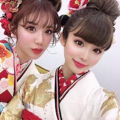 【公式】滋賀 振袖 レンタル/biwa桜 OFFICIALはInstagramを利用しています:「『2020年度biwa桜パンフレット撮影』📸  SNSで大人気のインフルエンサーのソンちゃん&しずちゃん👭🌈❣️  モデルも可愛くて着物も最高級👘🌟  もう日本一のパンフレット撮影になりました🤩❣️  今回のパンフレットは可愛いかっこいいオシャレな振袖が…」 Disney Characters, Fictional Characters, Disney Princess, Pink, Instagram, Hot Pink, Fantasy Characters, Pink Hair, Disney Princesses