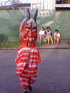 mascarada típica