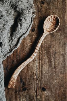 This listing is for 1 x ready-to-ship Amelia Spoon made from Fancy Maple. Abstract Sculpture, Wood Sculpture, Bronze Sculpture, Old World Kitchens, Maori Art, Ice Sculptures, Wooden Kitchen, Wooden Spoons, Amelia