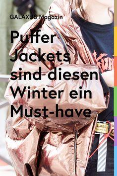 Auch diese Saison sind kurz geschnittene Puffer Jackets omnipräsent. Wie du sie stylst und welche Modelle gerade besonders gefragt sind. Mode Outfits, Puffer Jackets, Must Haves, Trends, Lifestyle, Winter, Autumn, Winter Time, Beauty Trends